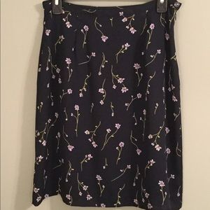 CASUAL CORNER skirt Navy w/ Light Purple Flowers